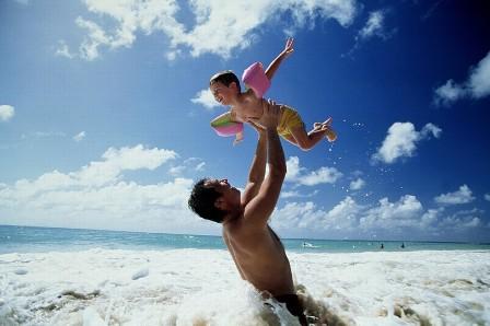 padre-e-figlio-che-giocano